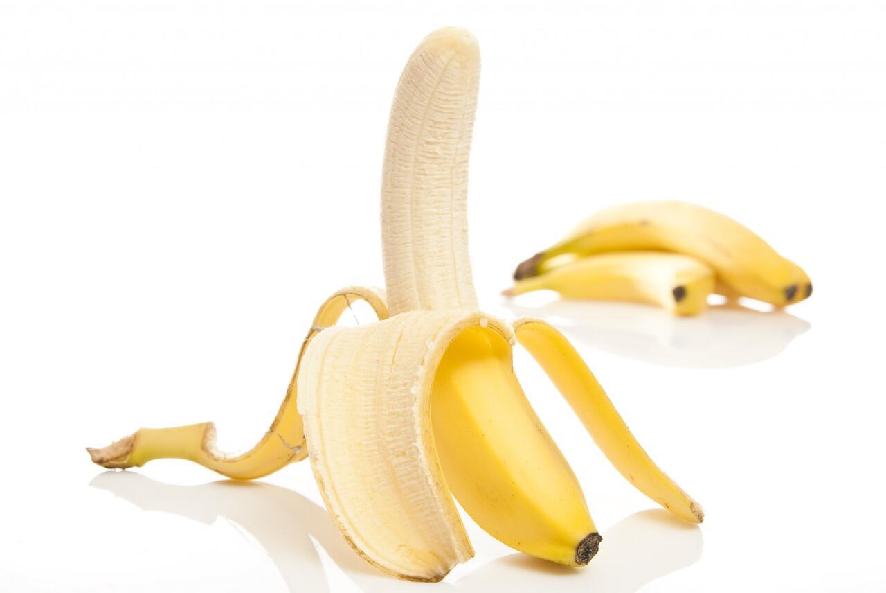 فوائد اكل الموز على الريق للاطفال